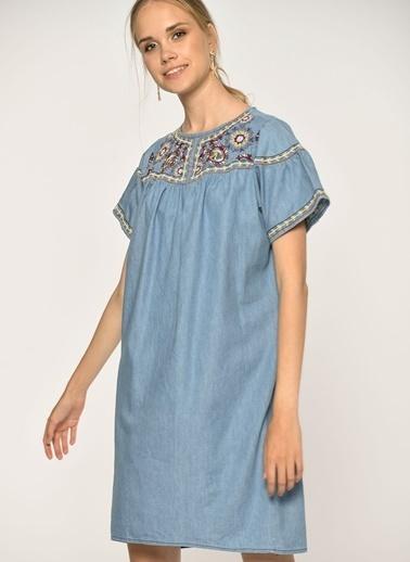 Loves You Kısa Kol Nakışlı Denim Elbise Mavi